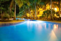 Nachtmening bij de pool Royalty-vrije Stock Foto