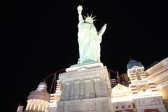 Nachtmening bij het het Casino en Hotel van New York New York bij de Strook van Las Vegas nevada Stock Foto
