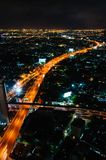 Nachtmening over de stad van Bangkok, Thailand Stock Foto's