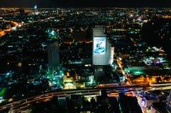 Nachtmening over de stad van Bangkok, Thailand Royalty-vrije Stock Afbeeldingen