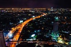 Nachtmening over de stad van Bangkok, Thailand Stock Foto