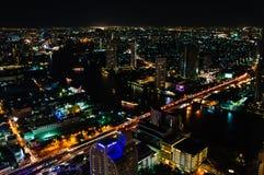 Nachtmening over de stad van Bangkok, Thailand Stock Afbeeldingen