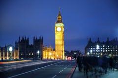 Nachtmening van Big Ben en Huizen van het Parlement, Londen het UK Stock Fotografie