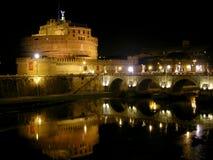 Nachtmening van Castel Sant ' Angelo, Rome Stock Afbeelding