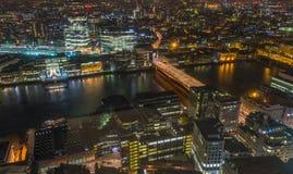 Nachtmening van cityscape van Londen Royalty-vrije Stock Foto's