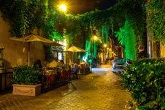 Nachtmening van comfortabele straat in Rome royalty-vrije stock fotografie