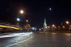 Nachtmening van de afdaling van Gebiedsvasilevsky dichtbij het Rode Vierkant, Moskou, Rusland Royalty-vrije Stock Foto