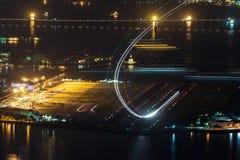 Nachtmening van de binnenlandse luchthaven van Santos Dumont van Rio de Janeiro Stock Foto