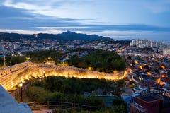 Nachtmening van de stad van Seoel, Zuid-Korea Stock Foto