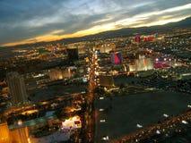 Nachtmening van de Strook van Las Vegas van de Stratosfeertoren, Las Vegas, Nevada, de V.S. stock afbeelding