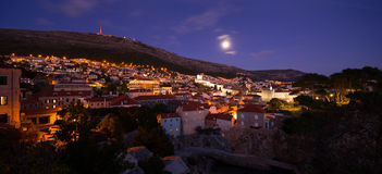 Nachtmening van Dubrovnik Kroatië Royalty-vrije Stock Foto