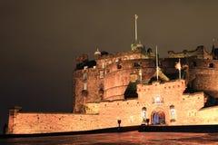 Nachtmening van het kasteel van Edinburgh Stock Afbeelding
