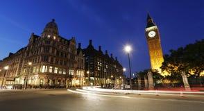 Nachtmening van het Parlement van Londen Vierkant, Groot Ben Present Royalty-vrije Stock Foto's
