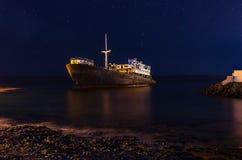 Nachtmening van het wrak van Tempelhall ship dichtbij Arrecife, Lanzarote royalty-vrije stock afbeelding
