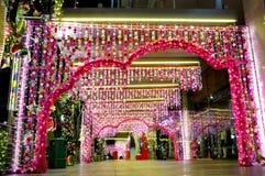 Nachtmening van Kerstmisdecoratie Royalty-vrije Stock Foto's