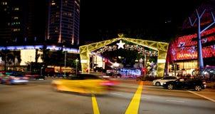 Nachtmening van Kerstmisdecoratie bij de Boomgaardweg van Singapore op 19 November, 2014 Royalty-vrije Stock Foto's
