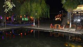Nachtmening van lijiang shuhe oude stad stock fotografie