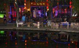 Nachtmening van lijiang shuhe oude stad stock afbeeldingen