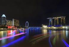 Nachtmening van Marina Bay, stedelijke horizon van Singapore Royalty-vrije Stock Afbeelding