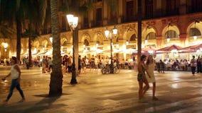 Nachtmening van Placa Reial in Barcelona Stock Foto's