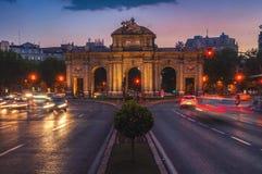Nachtmening van Puerta DE Alcala in Madrid Royalty-vrije Stock Afbeelding