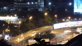 Nachtmening van stadswegen stock videobeelden
