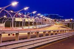 Nachtmening van westelijke hoge snelheidsdiameter stock foto's