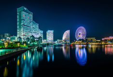 Nachtmening van Yokohama-Cityscape te de waterkant van Minato Mirai dist Royalty-vrije Stock Foto