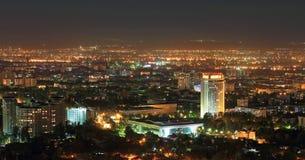 Nachtpanorama van centrum van Alma Ata Royalty-vrije Stock Foto