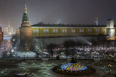 Nachtpanorama von Manege-Quadrat stockfotos