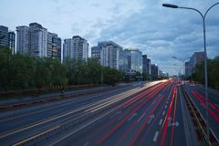 Nachtscène van de financiënstraat van Peking Stock Foto's