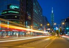 Nachtscène van de stad van Taipeh Stock Afbeelding