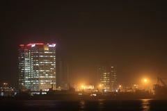 Nachtscène van het eiland Nigeria van Lagos Stock Afbeeldingen