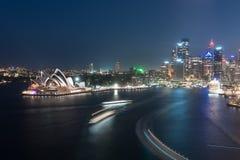 Nachtscène van Sydney Opera House Stock Afbeeldingen