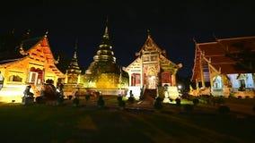 Nachtscène Wat Phra Singh timelapse, Chiang-MAI, Thailand stock videobeelden