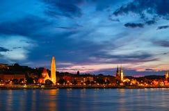 Nachtscènes van langs de Donau Stock Foto's
