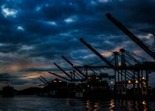 Nachtscheepswerf in San Francisco Bay stock afbeeldingen