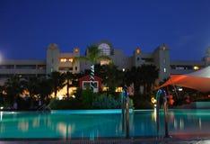 Nachtschwimmbad Stockbilder