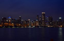 Nachtskyline Stockbild