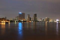 Nachtskyline von Bangkok Stockfotos