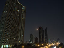 Nachtskyline von Bangkok Lizenzfreie Stockfotografie