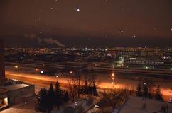 Nachtstad royalty-vrije stock afbeelding