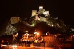 Nachtstad - kasteel in Trencin Royalty-vrije Stock Afbeelding