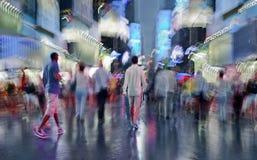 Nachtstad van opzettelijk motieonduidelijk beeld Stock Afbeeldingen