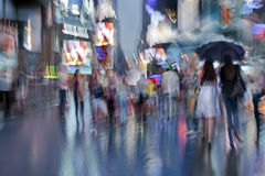 Nachtstadt der absichtlichen Bewegungsunschärfe Lizenzfreies Stockbild