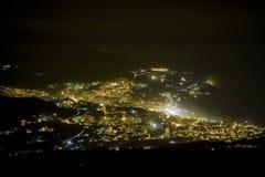 Nachtstadt von 1000m Stockfotografie