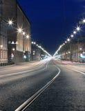 Nachtstraße in der Stadt. Str. Pererburg Stockfotos