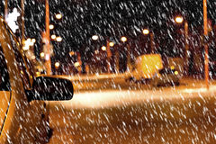 Nachtstraße im Winter Stockfotos