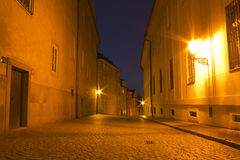 Nachtstraße in Prag-Stadt Stockbilder