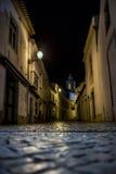 Nachtstraße von Lagos, Portugal lizenzfreie stockfotos
